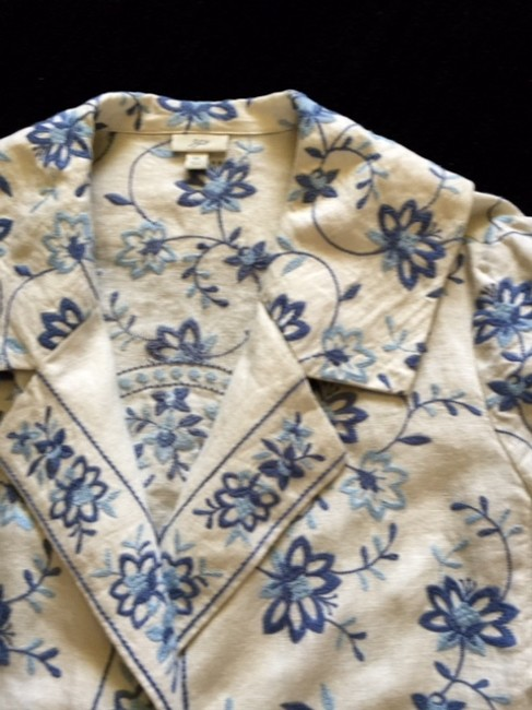 J. Jill Float Swing Button Natural LInen with Blue Embroidery Jacket
