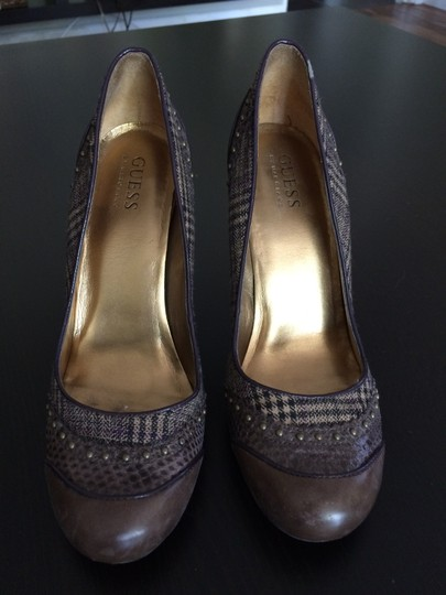Guess Brown Pumps