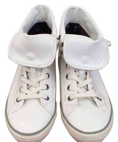 Preload https://item1.tradesy.com/images/aldo-white-leather-silver-studded-sneakers-in-good-condition-sneakers-size-us-8-regular-m-b-5482495-0-0.jpg?width=440&height=440