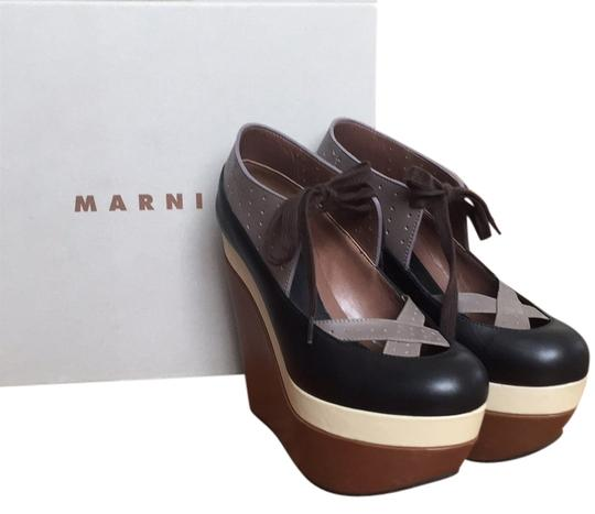 Preload https://item3.tradesy.com/images/marni-brown-cream-and-black-wedges-5483047-0-0.jpg?width=440&height=440