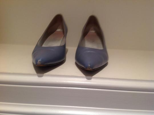 Escada Light blue shimmer leather Pumps