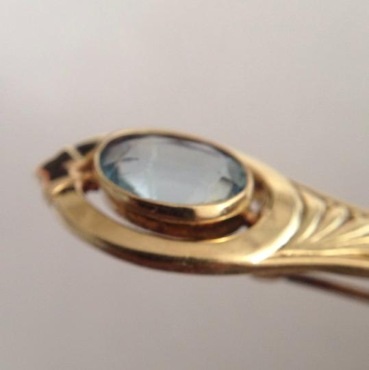 Vintage 14K Gold Aquamarine Pin. Vintage 14K Gold Aquamarine Pin.
