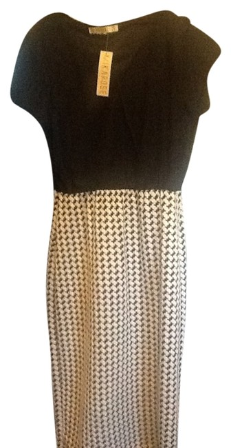 Preload https://item4.tradesy.com/images/black-and-black-and-white-houndstooth-sophisticated-knee-length-workoffice-dress-size-6-s-5486113-0-0.jpg?width=400&height=650