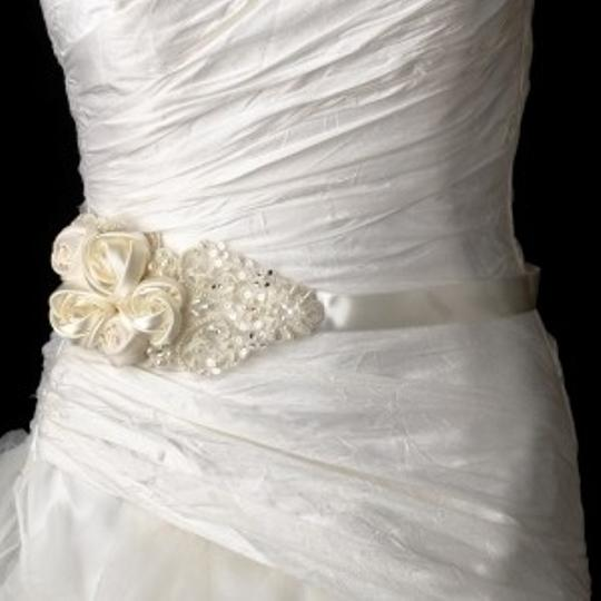 Preload https://item4.tradesy.com/images/white-or-ivory-beaded-dress-belt-flowers-and-lace-sash-54863-0-0.jpg?width=440&height=440