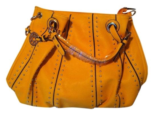 Preload https://item3.tradesy.com/images/studded-mustard-yellow-faux-leather-hobo-bag-5486557-0-0.jpg?width=440&height=440