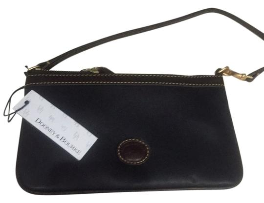 Dooney & Bourke Wristlet in Brown/Black