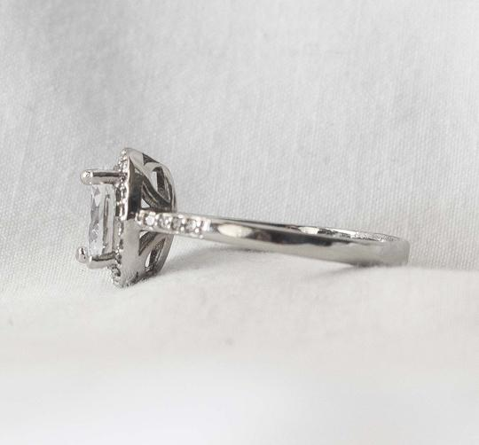 Other White Sapphire Halo Set 18k White Gold engagement ring