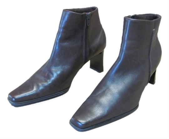 Preload https://item5.tradesy.com/images/brown-very-good-condition-leather-m-bootsbooties-size-us-85-regular-m-b-5489674-0-0.jpg?width=440&height=440
