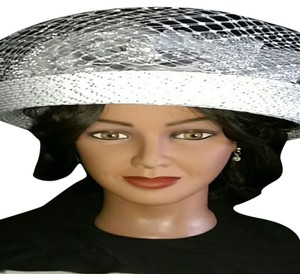 Whittall & Shons Vintage Whittall & Shons Grey Metallic Silver Lace Bow Ladies Hat