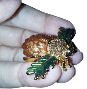 Joan Rivers JOAN RIVERS PINE CONE BEE PIN BROOCH