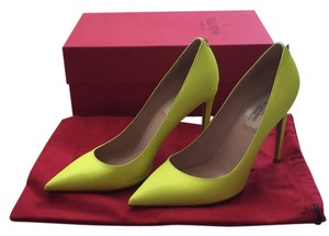 Valentino Neon yellow Pumps