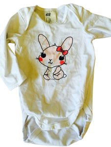 H&M T Shirt White With Pink Bunny