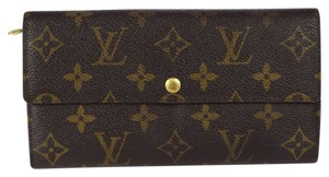 Louis Vuitton Louis Vuitton Sarah Monogram Canvas Wallet.