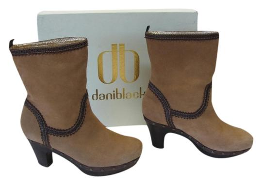 Daniblack Good Condition Size 7.00m Light Brown, Dark Brown Boots Image 0