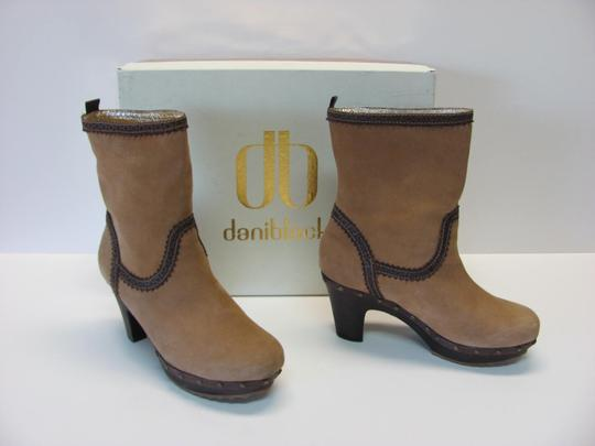 Daniblack Good Condition Size 7.00m Light Brown, Dark Brown Boots Image 1