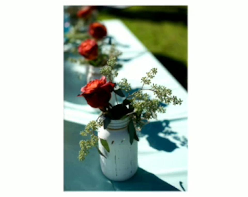 Ball antique white 48 count rustic mason jars centerpiece for Decor 9 iball