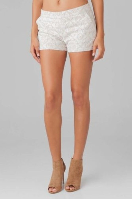 Preload https://item2.tradesy.com/images/joie-jarletta-1750-sh1074-womens-off-white-mesh-lace-lined-casual-shorts-5501581-0-0.jpg?width=400&height=650