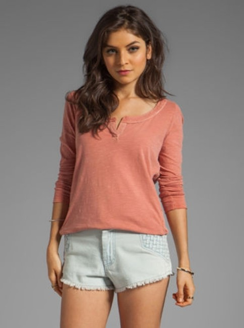Preload https://img-static.tradesy.com/item/5501596/people-womens-terracotta-beige-patches-of-lace-henley-top-sweater-0-0-650-650.jpg