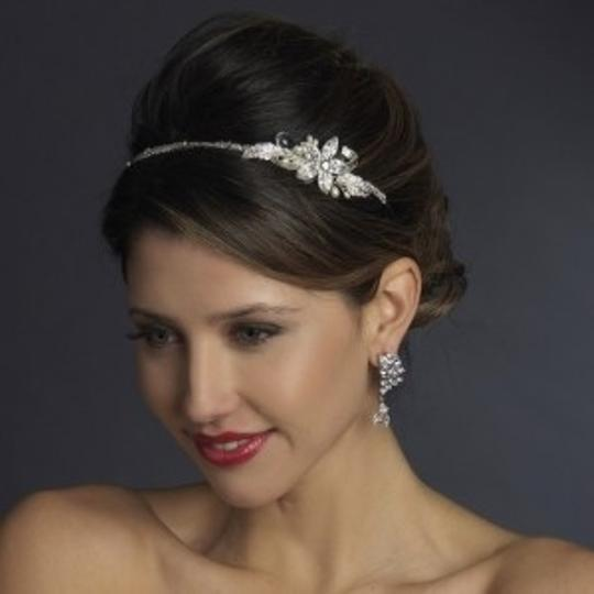 Preload https://item2.tradesy.com/images/elegance-by-carbonneau-silversilver-pearl-and-rhinestone-headband-hair-accessory-55016-0-0.jpg?width=440&height=440