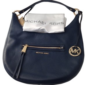michael kors rhea backpacks up to 70 off at tradesy rh tradesy com