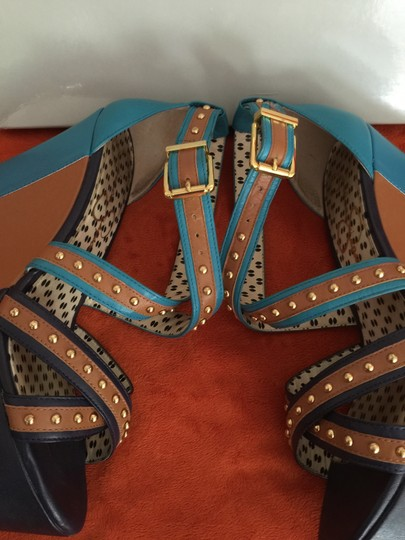 Jessica Simpson Blue Strappy Heel Platform Gold Studs Blue/Tan Wedges