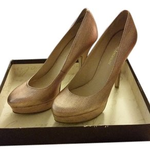 Enzo Angiolini Metallic Pink Pumps