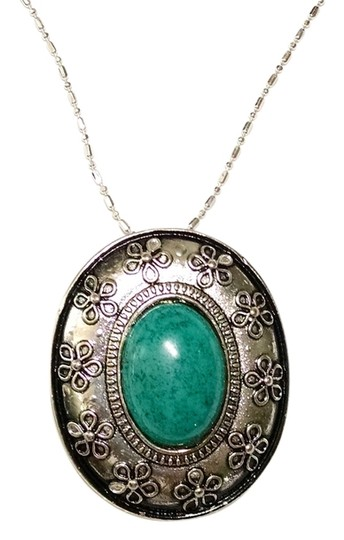 Other New Turquoise Pendant Silver Plated on Silver 925 18 inch Chain J1233