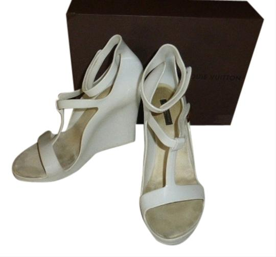 Preload https://item5.tradesy.com/images/louis-vuitton-white-jelly-wedges-5506399-0-0.jpg?width=440&height=440