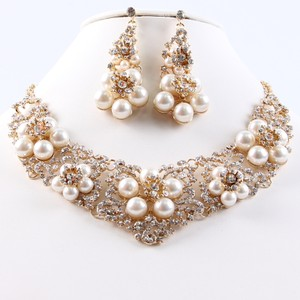 Gold Floral Pearl Rhinestone Necklace Set
