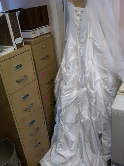 David's Bridal White Taffeta T9017 Traditional Wedding Dress Size 10 (M)
