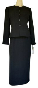 Le Suit NWT LE SUIT Black Career Skirt Suit 4P Petite 4