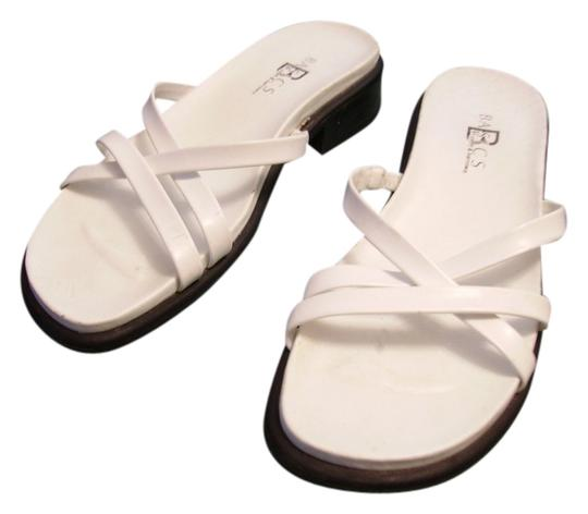 Preload https://item2.tradesy.com/images/croft-and-barrow-white-sandals-size-us-8-550846-0-0.jpg?width=440&height=440