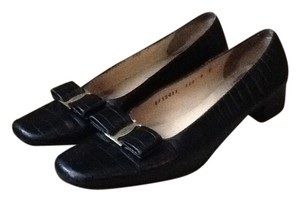 Salvatore Ferragamo Bow Signature Snakeskin Leather Dress Backtoschool Style Shopmycloset Black Flats