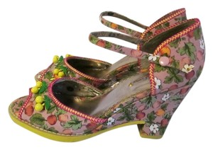 Poetic License Vintage Wedge Floral Retro Pink Wedges