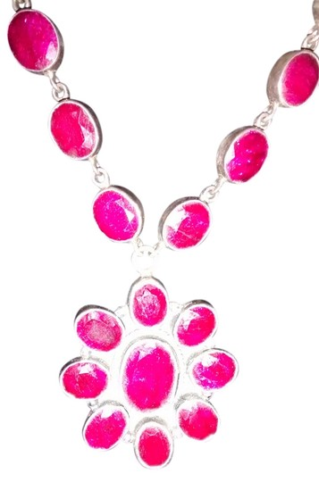 Preload https://item1.tradesy.com/images/red-saleindian-necklace-5511025-0-0.jpg?width=440&height=440
