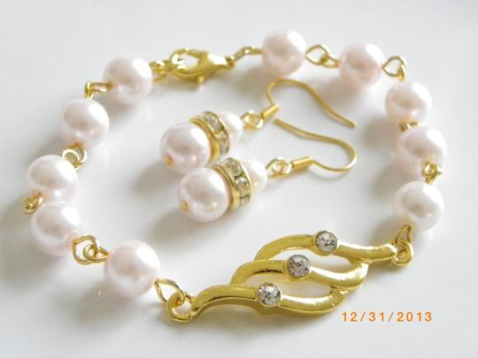 Handmade sets of bracelets and earrings bridesmaid pearl jewelry, pink pearl bridesmaid