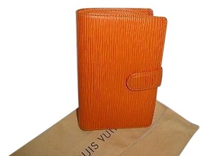 Louis Vuitton Louis Vuitton Epi Mandarin Kisslock Wallet Excellent