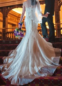 Robin Jillian Bridal Ivory Mermaid Traditional Wedding Dress Size 6 (S)