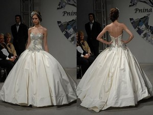 Pnina Tornai 4019 (unworn & Unaltered) Wedding Dress