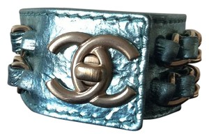 Chanel CHANEL '08P METALLIC AQUA LEATHER CC TURNLOCK CUFF