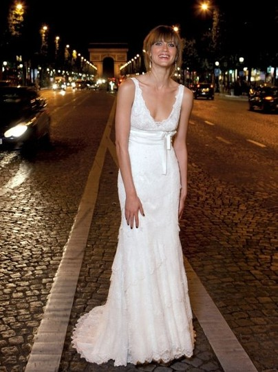 Cymbeline Paris White Lace & Silk Underneath L'fay Dubai / Emea/ Femea Feminine Wedding Dress Size 2 (XS)