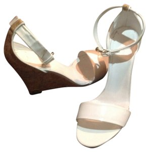 Gucci White patent leather Wedges