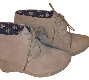 Lucky Brand New Tan Suede Lace-up Wedges