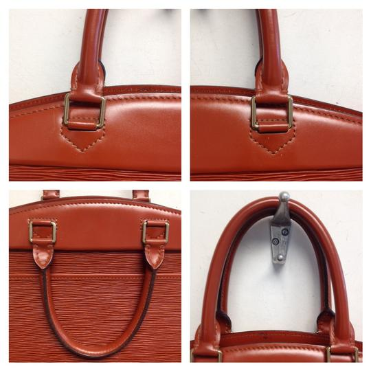 Louis Vuitton Satchel in Red Fawn