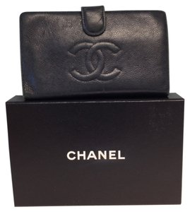 Chanel Chanel #2648 CC Logo Quilted Black Caviar Bi Fold Bifold French Wallet With Kiss Lock Pocket Key Coin Holder