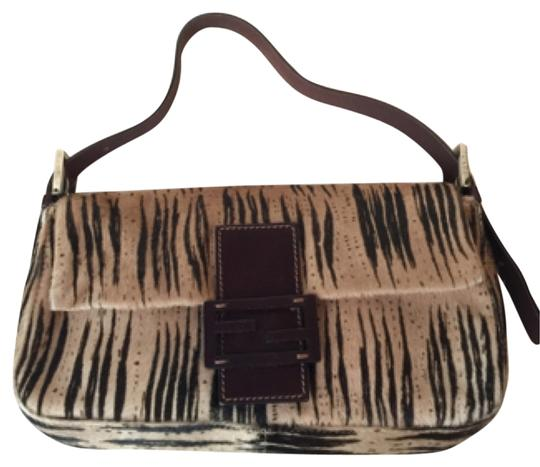 Preload https://item4.tradesy.com/images/fendi-tote-bag-striped-brown-and-tan-5515873-0-0.jpg?width=440&height=440