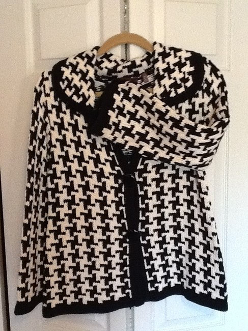 525 America Graphic black and white Blazer
