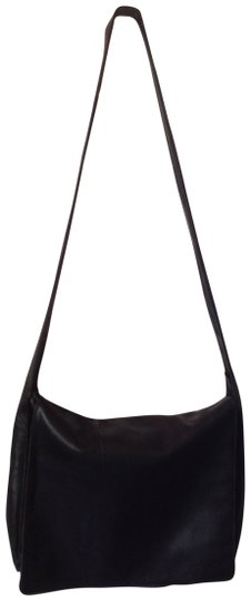 Preload https://item5.tradesy.com/images/donna-karan-large-messenger-black-leather-cross-body-bag-551714-0-1.jpg?width=440&height=440