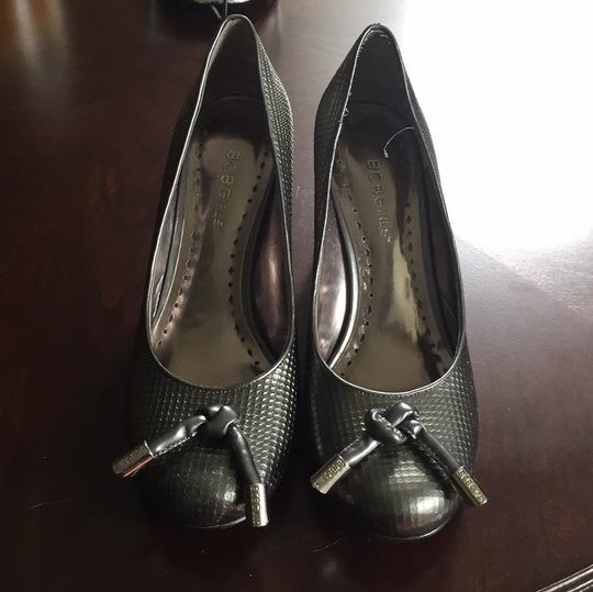 BCBGMAXAZRIA Metal Smoke Pumps