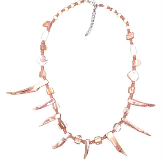 Preload https://img-static.tradesy.com/item/552131/brown-shell-stone-wooden-bead-necklace-0-0-540-540.jpg
